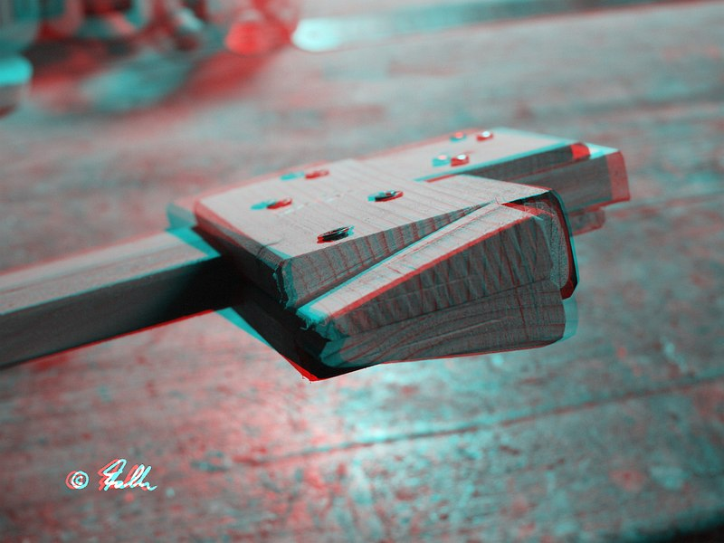 red-cyan Anaglyph of a X-Bow String Jig   © Falk 2016